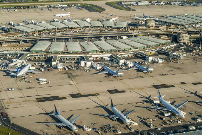 Le plus gros aéroport français:Roissy-Charles-de-Gaulle fait partie du groupe ADP.