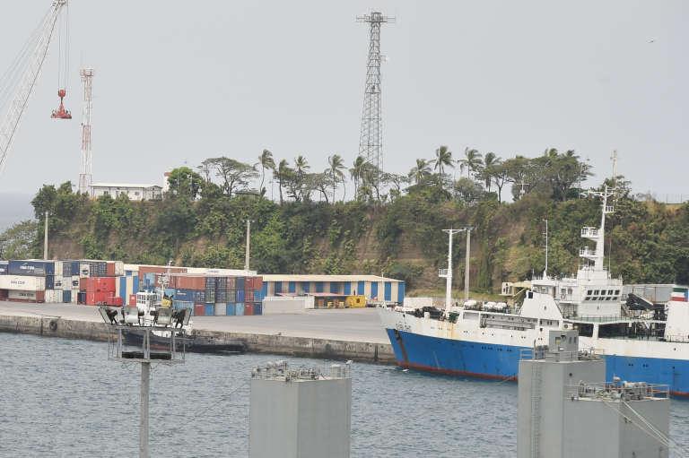 Le bateau « Djibloho» dans le port de Malabo, en Guinée équatoriale, en janvier 2015.