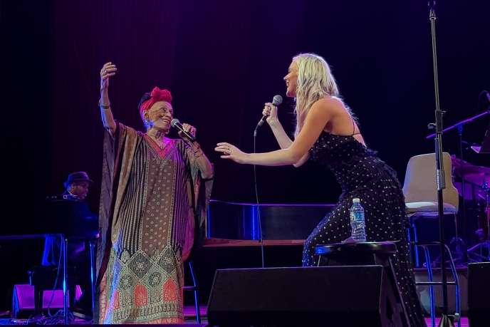 Joss Stone et Omara Portuondo au festival Jazz Plaza (La Havane),le 17 janvier 2019.