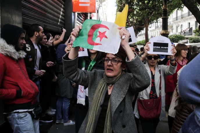 «Les événements d'Algérie sont, pour l'observateur de l'économie de ce pays que je suis, prodigieux à bien des égards. D'abord parce que je considérais cette révolte comme hautement improbable venant d'un peuple d'abord soumis à la barbarie terroriste pendant plus de dix ans»