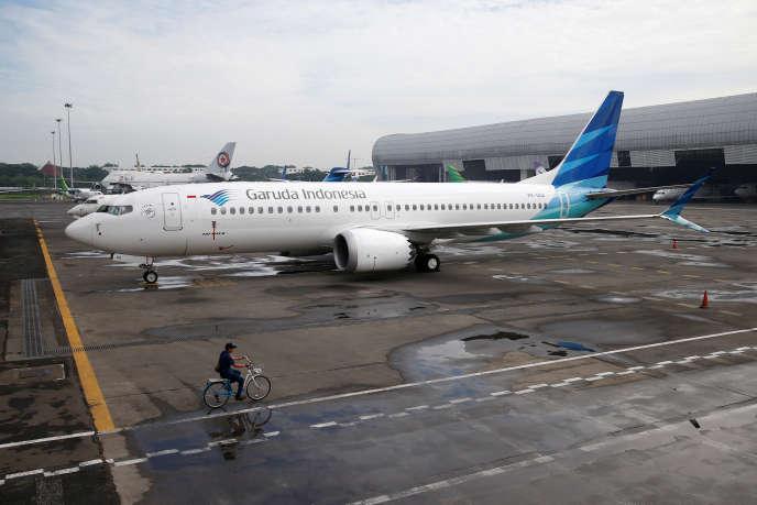 Un Boeing 737 Max cloué au sol sur l'aéroport de Jakarta, le 13 mars 2019.