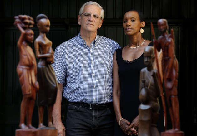 Alain et Dafroza Gauthier, du Collectif des parties civiles pour le Rwanda, surnommés les « Klarsfeld rwandais », à Reims, en septembre 2013.