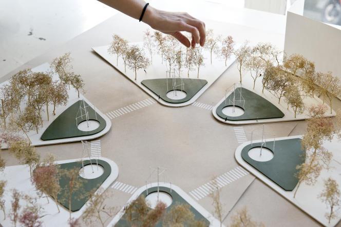 Maquettes des six fontaines du rond-point des Champs-Elysées, par Ronan et Erwan Bouroullec.