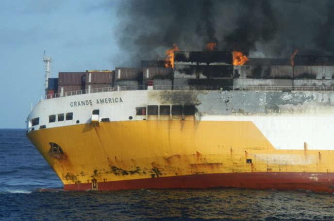 Un incendie s'est déclaré à bord du« Grande America», qui a sombré le 12 mars.