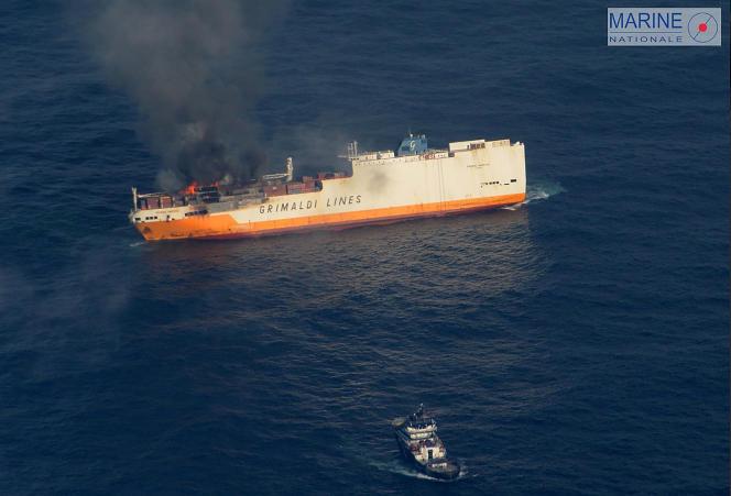 Le«Grande-America» a sombré à plus de 4000m de profondeur, au large de LaRochelle, deux jours après qu'un incendie se soit déclaré à bord.