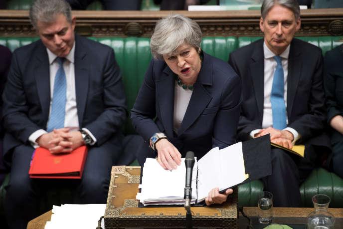 La première ministre britannique, Theresa May, devant la Chambre des communes, àLondres, lors du débat du 13 mars sur le Brexit.