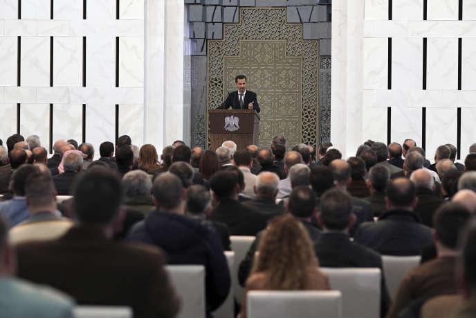 Le 17 février, à Damas, Bachar Al-Assad, prend la parole devant les représentants des différentes provinces syriennes pour réaffirmer le rôle de l'armée nationale dans le nord du pays.