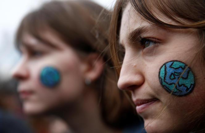 A Paris, les jeunes manifestants étaient 50000 selon les organisateurs, 29000 selon la préfecture de police.