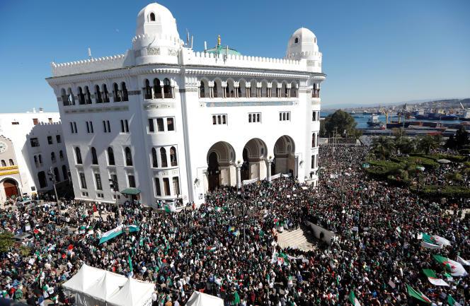 A Alger, le 15 mars.