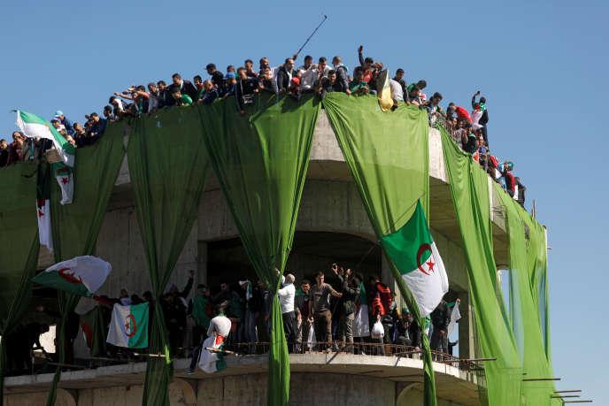 Azouz Begag: «Les jeunes Algériens ne réclament plus de visas pour la France»