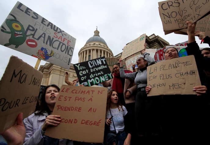 Manifestation des jeunes pour le climat, à Paris, le 15 mars.