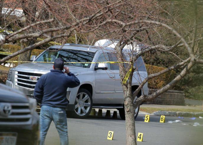 La police new-yorkaisesur les lieux de l'assassinat du mafieux Francesco «Franky Boy» Cali, àStatenIsland, le 14 mars.