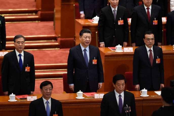 « La prudence devrait être de mise dans la vente de fleurons technologiques, qui met en péril la compétitivité européenne. De surcroît, pour des raisons de sécurité, une extrême vigilance s'impose dans le cas de technologies à double usage» (Photo: Xi Jinping lors de la clôture de l'Assemblée nationale populaire, le 15 mars).