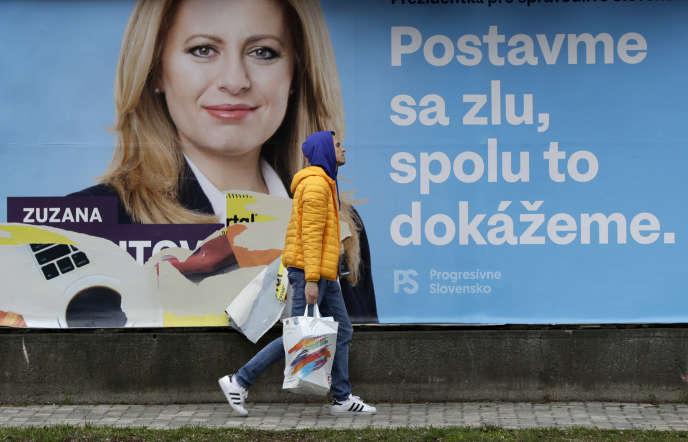 Les sondages donnent à Zuzana Caputova une légère avance.