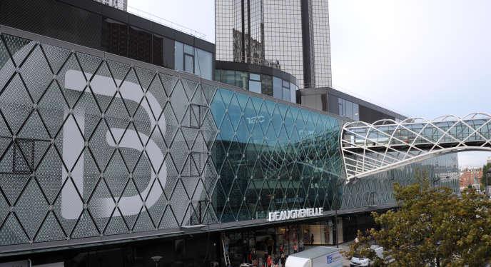 La boutique Balibaris se classe parmi les meilleurs rendements au mètre carré du centre commercial Beaugrenelle, dans le XVe arrondissement de Paris.