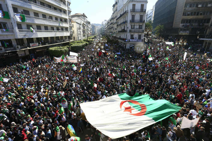 """Résultat de recherche d'images pour """"algérie manifestation"""""""