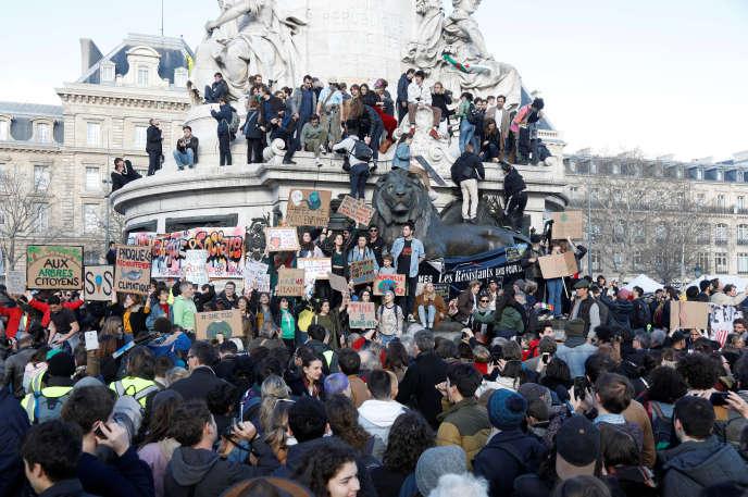 Place de la République à Paris, samedi 16 mars.