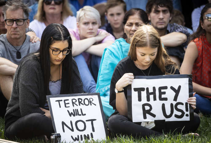 Hommage à Auckland aux victimes de l'attentat de Christchurch, en Nouvelle-Zélande, le 16 mars.