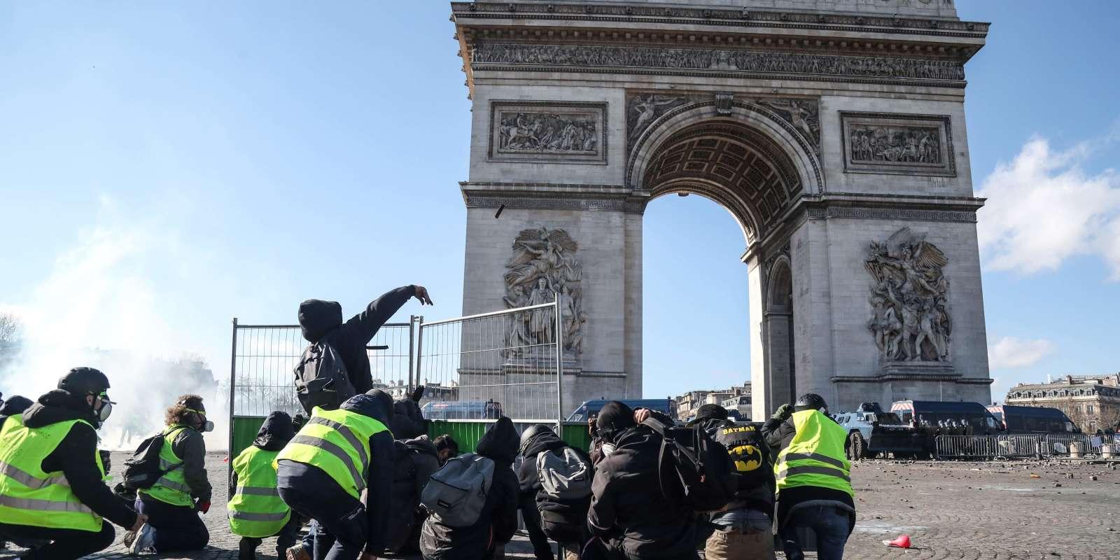 Manifestation des «gilets jaunes», samedi 16 mars, place de l'Etoile, à Paris.