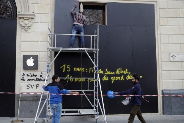 La façade de la boutique Apple de l'avenue des Champs-Elysées, Paris, le 17mars2019.