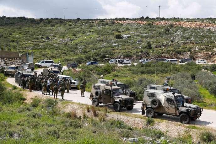 Des militaires israéliens à proximité de la colonie d'Ariel, en Cisjordanie, dimanche17mars2019.