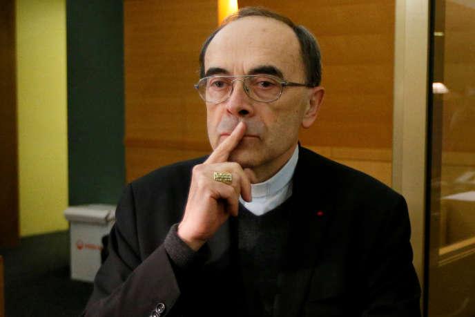 La cardinal Barbarin a été condamné le 7 mars à six mois de prison avec sursis pour non-dénonciation d'atteintes sexuelles sur mineurs de quinze ans par le tribunal correctionnel.