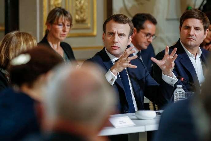 Emmanuel Macron, lors de la rencontre avec des intellectuels, à l'Elysée, le 18 mars 2019.