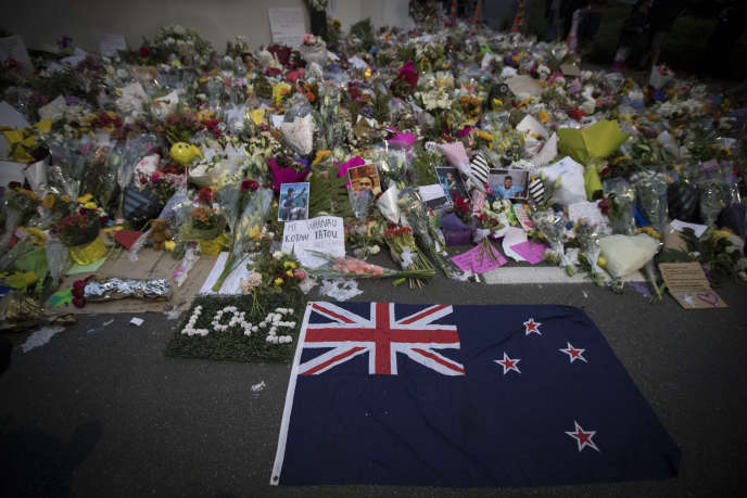 Devant la mosquée Al Noor à Christchurch, le 18 mars.