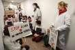 Manifestation pour dénoncer la menace degrève des interruptions volontaires de grossesse brandie par le Syndicat national des gynécologues-obstétriciens (Syngof). A Paris, le 15 mars.