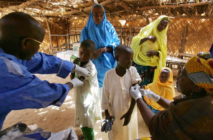 Campagne de vaccination contre la méningite à Tchadoua, dans le sud du Niger, en mars 2006.