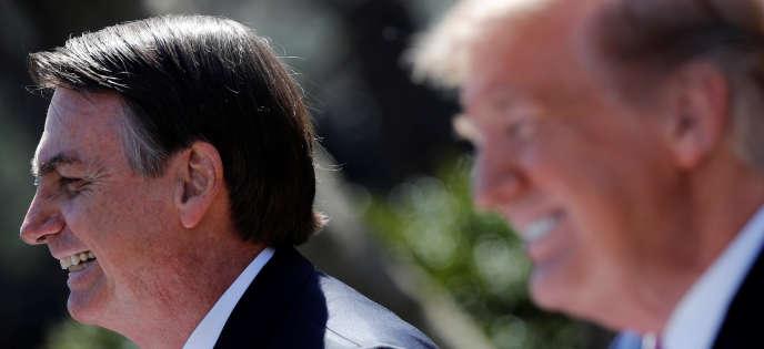 Le président brésilien, Jair Bolsonaro (gauche), et le président des Etats-Unis, Donald Trump, à la Maison Blanche, le 19 mars.