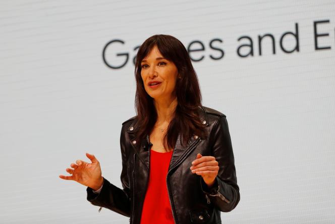 L'expérimentée Jade Raymond, nommée responsable du département de création de jeu vidéo de Stadia, incarne la volonté de Google de s'appuyer sur l'industrie du jeu vidéo traditionnelle.