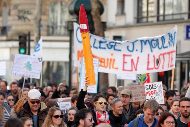 Des enseignants manifestent contre les réformes du ministre de l'éducation nationale, Jean-Michel Blanquer, à Paris le 19 mars 2019.