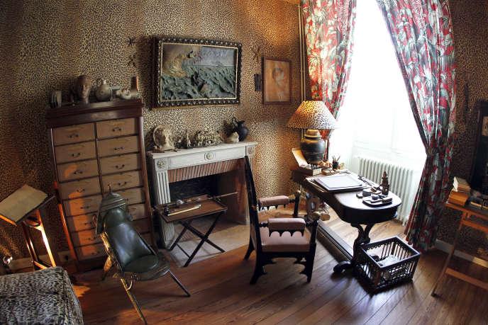Dans la maison de Jean Cocteau à Milly-la-Forêt, en 2010.