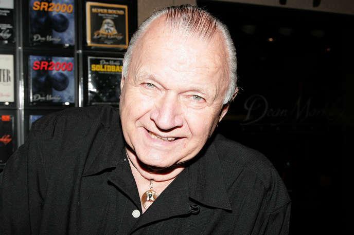 Le guitariste Dick Dale à Anaheim (Californie) en janvier 2010.