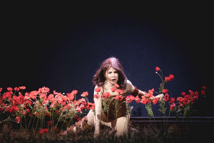 Leticia de Altamiranochante le rôle-titre de «Beatrix Cenci», à l'Opéra national du Rhin.
