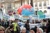 Paris, le 16 mars. Manifestation appelant à des mesures d'urgence pour le climat.