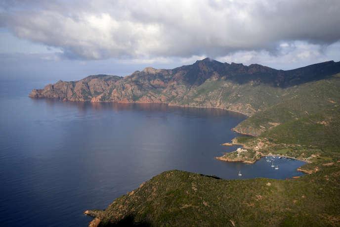 Etablie en 1975, la réserve de Scandola, forte de 920hectares terrestres et d'une zone marine de 1000hectares, est titulaire de nombreux labels de protection.