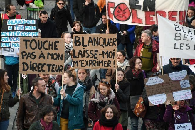 Les enseignants dans le cortège de la manifestation de Strasbourg, lors de la journée d'action appelée par la CGT et FO, le 19 mars.