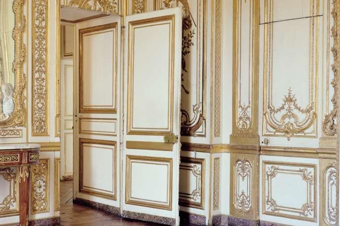 L'appartement intérieur du roi, au château de Versailles, une suite de pièces aménagées par Louis XIV pour exposer ses collections d'objets d'art et de tableaux.