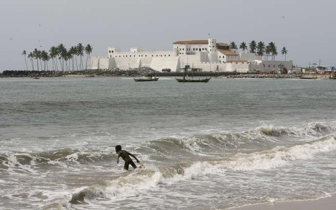 Le fort Saint-Georges d'Elmina, près de la ville de Cape Coast, au Ghana, fut l'un des principaux centres de la traite négrièrede la côte de Guinée au XVe siècle. Ici, en mars 2007.
