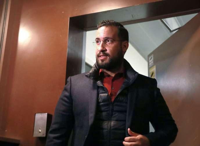 Alexandre Benalla, le 26 février, à la sortie de la prison de la Santé, à Paris.
