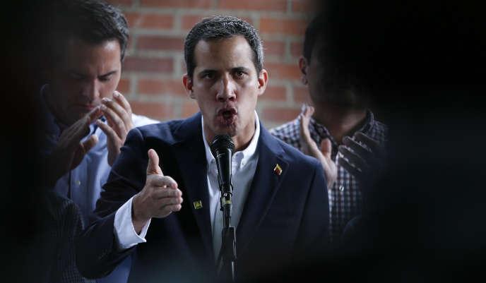 Juan Guaido a dénoncé une manœuvre «vile» et «grossière» après l'arrestation de son chef de cabinet, jeudi 21 mars.