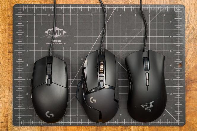 Lorsqu'on veut s'offrir une excellente souris de gaming, le plus important est de trouver une taille et une forme qui vous conviennent. De gauche à droite : la Logitech G203, la Logitech G502 Hero et la Razer DeathAdder.