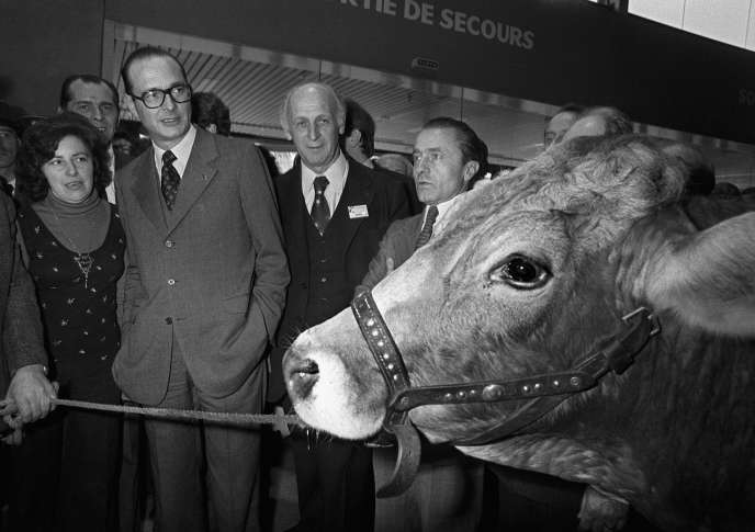 Jacques Chirac, alors premier ministre, au salon de lâ??Agriculture, le 6 mars 1975.