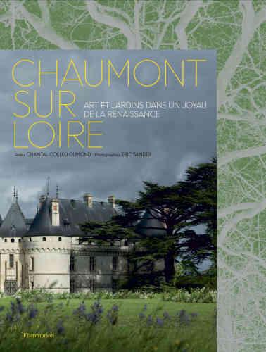 Le nom de Chantal Colleu-Dumond, l'auteure de ce grand et beau livre, est lié à la réussite d'une aventure culturelle et artistique unique : celle du domaine de Chaumont-sur-Loire. Celui-ci associe en un même lieuun château Renaissance, un festival de jardins éphémères et un centre d'art contemporain. Tous les visiteurs de«Chaumont» y ont contemplé, au fil des ans et des saisons, l'alchimie réussie de l'art et du végétal, du minéralet de l'éphèmère. Les superbes images d'Eric Sander en ravivent le souvenir– et sont une incitation à la découverte pour tous les autres.