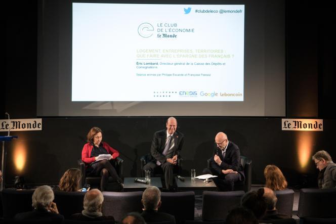 Eric Lombard (au centre) était invité au Club de l'économie du« Monde», jeudi 21 mars.