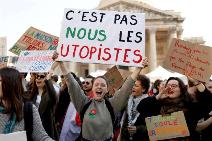 Lors de la marche des jeunes pour le climat, à Paris, le 22 mars.