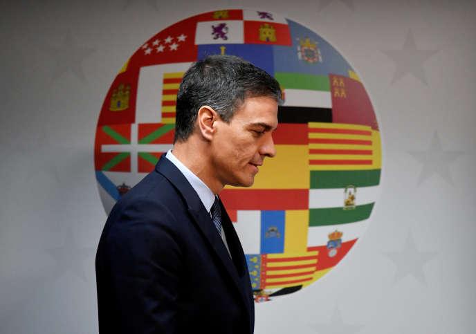 Le chef du gouvernement espagnol, Pedro Sanchez, a mis en place un «plan de choc» pour limiter les CDD et augmenté le salaire minimal de 740 à 900euros mensuels.