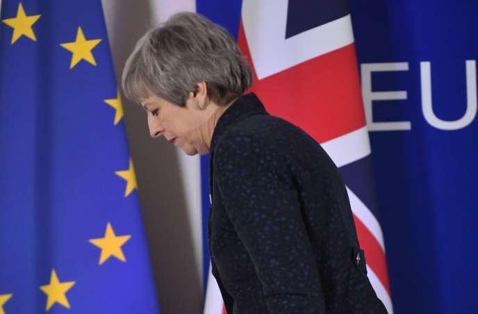 La première ministre britannique, Theresa May, après la conférence de presse, le premier jour d'un sommet européen consacré au Brexit, à Bruxelles, le 22 mars 2019.